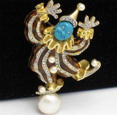 Vintage Hattie Carnegie brooch pin figural clown enamel rhinestones