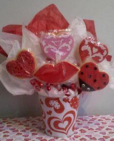 Valentine's Cookie Bouquet by Distinctive-Desserts.com