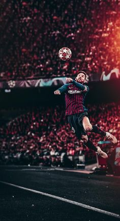 Lionel Messi heads in the Champions League of FC Barcelona Lional Messi, Messi Vs Ronaldo, Ronaldo Football, Messi Soccer, Ronaldo Real, Nike Soccer, Soccer Cleats, Soccer Players, Football Soccer