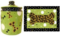 Personalized dog treat jar with matching mat  http://www.jbeedesigns.com/store/WsDefault.asp?One=475