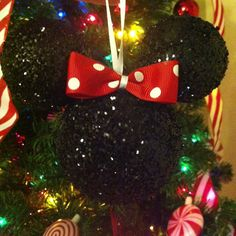 DIY Minnie Mouse Christmas ornaments