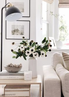 My Living Room, Home And Living, Living Room White Walls, Apartment Living Rooms, Neutral Living Rooms, Modern White Living Room, Cream Living Rooms, Table Decor Living Room, Comfortable Living Rooms