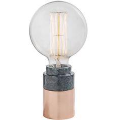 Tafellamp black marmer koper. Wat een Designlamp! Minimalistisch ten top, and we love it! De standaard alleen al is een plaatje om te zien. Deze designlamp is afkomstig van het Deense merk Nordal. Marmer is de woontrend van 2016/2017, en deze design tafellamp is dus een ware musthave. Mooi voor op het nachtkastje, bijzettafeltje, of die wandtafel. Bij de bureaulamp zit een koord met een lengte van 235 cm.
