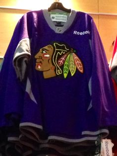 Blackhawks Hockey Fights Cancer, WANT!!!!
