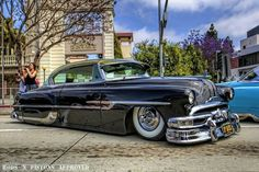 '53 Pontiac/Daddy had this car.  Not so tricked out though.