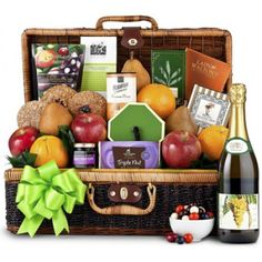 Sweet Celebration Premium Grade Fruit Basket, Fruit Baskets: Delicious and healthy fruits are picked fresh from the orchard for this picnic-style hamper, Picnic Gift Basket, Wine Gift Baskets, Gourmet Gift Baskets, Fruit Basket Delivery, Recipes Using Fruit, Fruits Basket Manga, Fruit Crafts, Fruit Packaging, Picnic Style