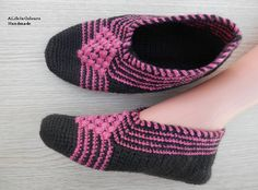 Turkish handmade crochet womens slippers, slipper socks, crochet house shoes. They are two plied, very thick and warm. If you want to have warm