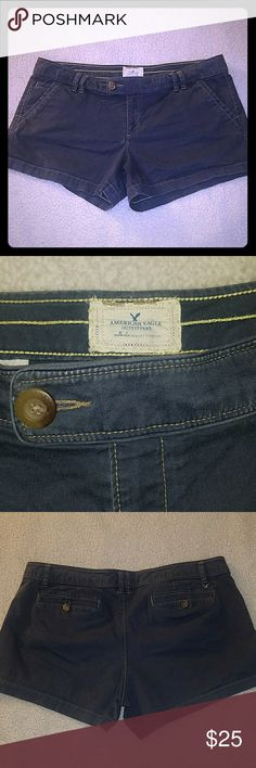 American Eagle blue twill shorts size 18 This is a pair of American Eagle shorts size 18. Blue color but they're not done I'm. There it will material. Only worn twice. Slight pilling in the crotch. But otherwise in excellent condition. Even comes with the extra buttons on the inside. American Eagle Outfitters Shorts