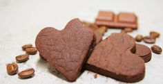 Kakao-kaffee Taler - Kue sehat dengan rasa dark coklat yang baik untuk kesehatan dan dipadu dengan aroma kopi yang menyegarkan. Campuran antara cocoa dan kopi sebagai bahan pembuatannya menjadikan cookies ini lebih sehat. Kopi, bila dipakai semestinya akan sangat bermanfaat bagi kesehatan, diantaranya dapat menolong penderita tekanan darah rendah. Bubuk kakao sendiri mengandung antioksidan yang tinggi. Total kalori: 900 kcal, Harga: Rp 61.000,- /box, Berat Netto: 250gr