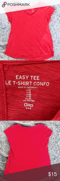 Coral Easy Tee Shirt by Gap Coral Easy Tee Let-Shirt by Gap. Another basic that works great in any closet. Size M. EUC GAP Tops Tees - Short Sleeve