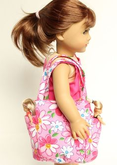 Matching Bags for Kids + Dolls Cute tote designed to fit 18 dolls like American Girl dolls! American Girl Outfits, Ropa American Girl, American Girl Crafts, American Doll Clothes, Sewing Doll Clothes, Sewing Dolls, Doll Clothes Patterns, Girl Doll Clothes, Girl Dolls