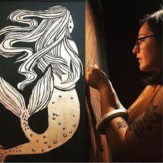 Starbucks Art Program ☕️ 🎨 (@starbucksartprogram) • Instagram photos and videos Starbucks Art, Starbucks Siren, Art Programs, Tribal Tattoos, Mermaids, Photo And Video, Videos, Artist, Photos