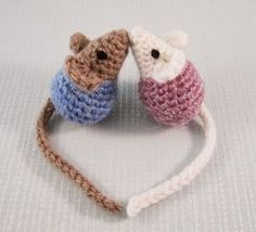 LucyRavenscar - Crochet Creatures: Little Kissing Mice - free amigurumi pattern, #haken, gratis patroon (Engels), sleutelhanger, muis, decoratie, #haakpatroon