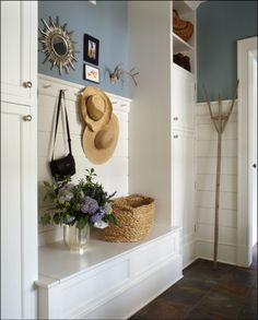 50 clever mudroom laundry room combination ideas homedecort is one of images from small laundry mudroom ideas. Find more small laundry mudroom ideas images like this one in this gallery Decoration Ikea, Coin Couture, Entry Bench, Entry Hall, Garage Entry, Entrance Foyer, Blue And Green, Decor Inspiration, Decor Ideas