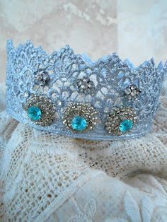Lace crowns - microwave method. I think I'll make one for my little princess back home!