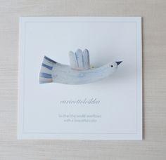 幸せの白い小鳥のブローチ/Brooch
