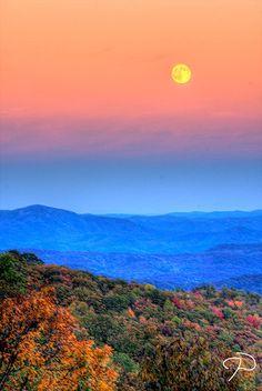 Blue Ridge Mountains, NC - (CC)Jim Dollar - www.flickr.com/photos/jimdollar/2954700405/in/set-72157607290282292#