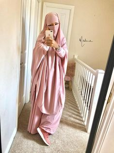Size Model, Hijab Fashion, Black Girls, Iphone Cases, Tutorials, Coat, Skirts, Pink, How To Wear