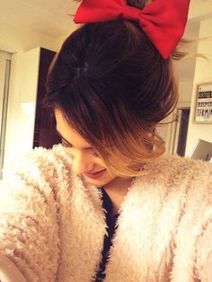 Minie!!! Violetta Disney, Violetta Live, Sofia Carson, Lucy Hale, Paris Hilton, Hairstyles Haircuts, Hair Goals, Hair Cuts, Photos