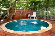 Nice hot tub/pool.