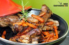 Tajine of lamb with rosemary and carrots Tajine de cordero y zanahoria al romero Lamb Recipes, Clay Pots, Wok, Pot Roast, Stew, Crockpot, Slow Cooker, Carrots, Turkey