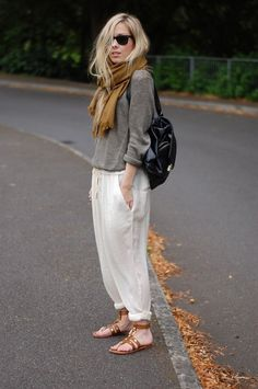 COLOR COMBO                      50 Stylish And Comfy Outfits to Try in 2015 | http://hercanvas.com/stylish-and-comfy-outfits/