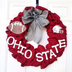 Ohio State college football burlap wreath Love how this custom made order turned out! Ohio State College, Ohio State Football, Ohio State Buckeyes, College Football, Oklahoma Sooners, American Football, State University, Ohio State Wreath, Ohio State Decor