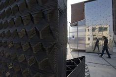 Las impresoras ya hacen casas La primera vivienda de tamaño natural salida de un dispositivo 3D cobra vida en Ámsterdam Fabricada a base de plástico de origen vegetal, usará también cemento en el montaje