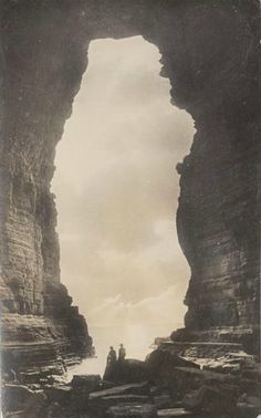 Edward William Searle - Tasman's Arch, Eaglehawke Neck,Tasmania, c.1911-15