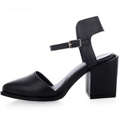 LUCLUC Black Buckle Strap Mid Heeled Sandals