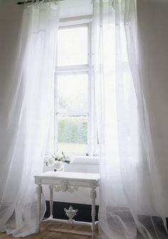 Perfect dreamy floaty curtains, I love the puddle, love love love it