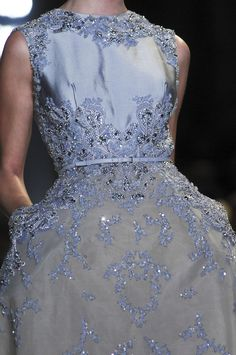 Detailed photos of Elie Saab Haute Couture Spring 2013 Couture Details, Fashion Details, Fashion Design, Beautiful Gowns, Beautiful Outfits, Couture Fashion, Runway Fashion, Elie Saab Spring, Elie Saab Couture