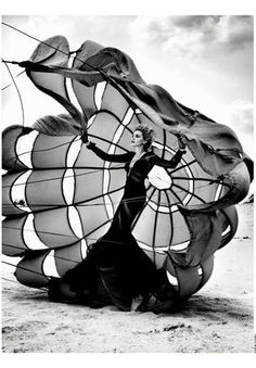 Nadja Auermann photographed by Kristian Schuller for French Revue de Modes Fall/Winter how do you make a parachute look this good Fashion Shoot, Look Fashion, Editorial Fashion, Fashion Art, Fashion Portraits, Fashion Images, White Fashion, Trendy Fashion, Fashion Ideas
