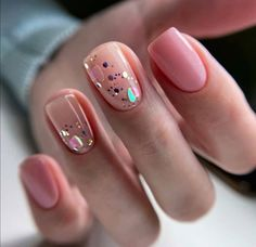 The length of natural nails do not prevent us from doing housework, and they also reflect our pursuit of exquisite life in a busy workplace. The colors and patterns of natural nails are simple and generous, but not overly exaggerated. Classy Nails, Fancy Nails, Stylish Nails, Pretty Nails, Nude Nails, Nail Manicure, Pink Nails, Nail Polish, Glitter Nails