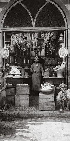 Grocer's shop. Jerusalem, Palestine 1900-1920..