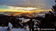 Dobrú noc Slovensko a ráno opäť nové dobrodužstvá  #praveslovenske od @johaadventures  Good night Slovakia   #slovakia #slovensko #mountains #hills #hiking #adventure #adventures #sunset #sun #sunrise #clouds #snow #trees #forest #nature #landscape