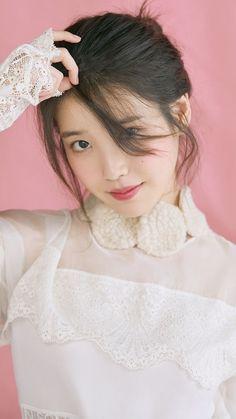 Singer Fashion, Iu Fashion, Fashion Poses, Pretty Korean Girls, Beautiful Asian Girls, Korean Beauty, Asian Beauty, Girl God, Korean Wedding