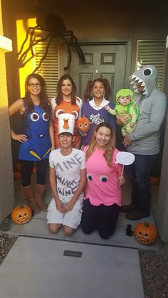 Finding Nemo halloween costume  sc 1 st  Pinterest & Finding Nemo Family Costume: Nemo Squirt Dory Bruce the Shark and ...