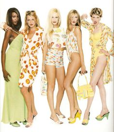 Naomi Campbell, Kate Moss, Karen Mulder, Carla Bruni en Kirsten McMenamy. Gianni Versace 1996