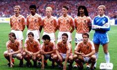 Holland 1988 Football Gear, Retro Football, World Football, Soccer World, Football Kits, Sport Football, Fifa, Football Team Pictures, Ruud Gullit