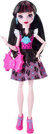 Monster High First Day Of School Draculaura Doll Cool Poses, Black Peplum, Signature Look, Monster High Dolls, Blue Earrings, Daughter Love, First Day Of School, Fashion Dolls, Storytelling