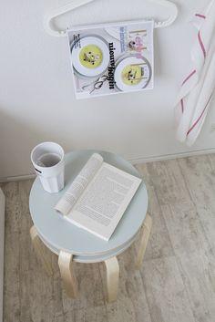 BAGIS kleerhanger | #IKEA #LangLeveVerandering #IKEAnl #student #werkplek #slaapkamer #woonkamer #tijdschriften #kleerhangers