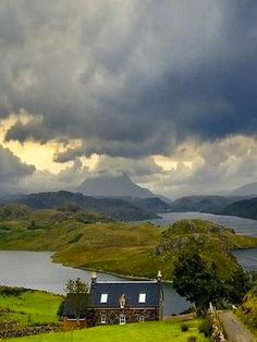 Scottish Highlands √ https://en.wikipedia.org/wiki/Scottish_Highlands
