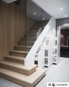 Fantastisk trapp hos @funkis64b 🖤 Masse inspirasjon å hente på denne kontoen! . . . Cred: @funkis64b #gofollow #funkis #funkishus #funkishjem #trapp #stairs #staircase #hallway #garderobe #interiør #interiordesign #interiordecor #interiørdesign #beautifulhomes #nordichome #scandinaviandesign #scandinavianstyle #scandinavianhome #instahome #instagood #interior123 Scandinavian Interior, Scandinavian Design, Stair Slide, Dere, Mykonos, Stairs, Photo And Video, Interior Design, Instagram