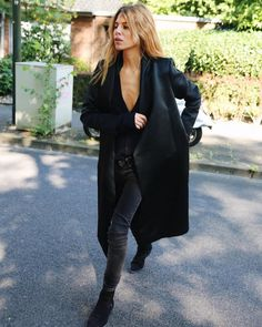 All Black Outfit Inspo Maja Why, Mein Style, All Black Outfit, Looks Style, Fashion Outfits, Womens Fashion, Minimalist Fashion, Casual Chic, Passion For Fashion