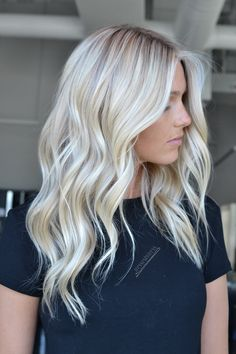 Grey White Hair, White Blonde Hair, Dark Hair, Platinum Blonde Hair Color, Blonde Hair Shades, Blonde Hair With Roots, Hair Today Gone Tomorrow, Hair Color And Cut, Blonde Balayage