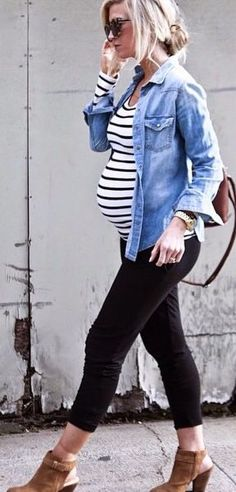 Casual cute maternity style with denim shirt. I wish I had this bump style… Cute Maternity Outfits, Fall Maternity, Stylish Maternity, Maternity Clothing, Winter Maternity Fashion, Maternity Styles, Maternity Swimwear, Baby Bump Style, Mommy Style