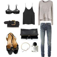 Jean délavé + débardeur noir + pull gris + accessoires noirs = une tenue pour un jour quelconque de la semaine