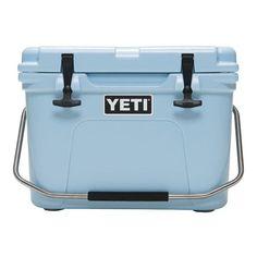 YETI Roadie 20 in Ice Blue