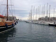 Τι Σημαίνει να Είσαι Πειραιώτισσα   VICE   Greece